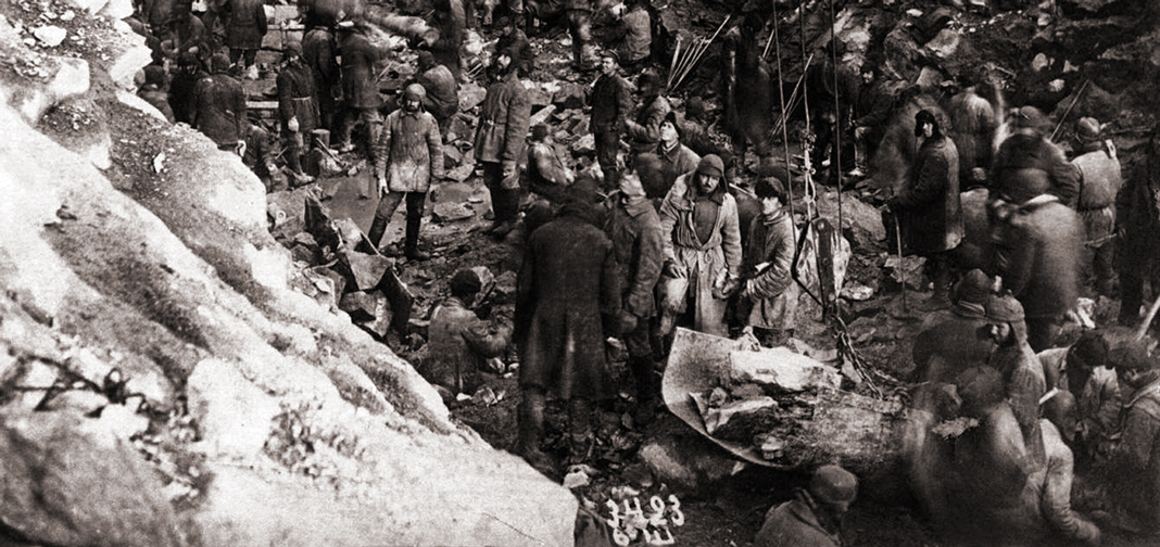 Gulag prisoners working in a quarry